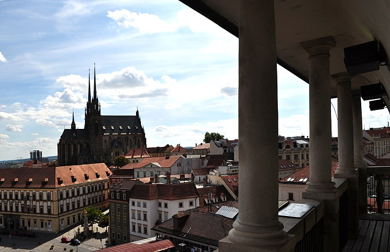 Soubor:Brno - Cathedral of Saints Peter and Paul III.jpg